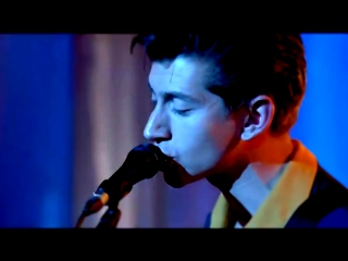 Видеоролик к песне Whyd You Only Call Me When Youre High - Arctic Monkeys - Why'd You Only Call Me When You're High (Live)