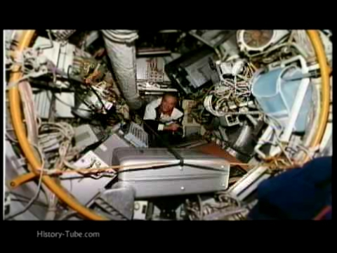 SHUTTLE MISSION STS-71: The Russian MIR Spacestation 720p