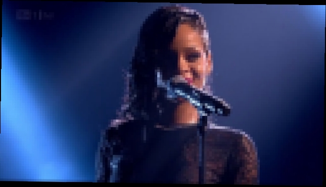 Rihanna - Diamonds Live At The X Factor UK